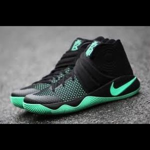 Nike Kyrie 2 Black and Green (new) Size 13.5